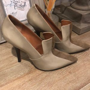 Celine pointed toe pumps